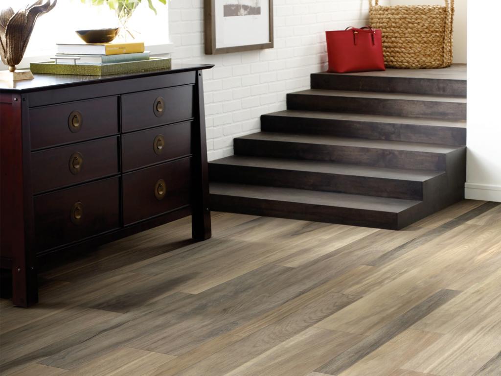 Vinyl flooring | Broadway Carpets, Inc