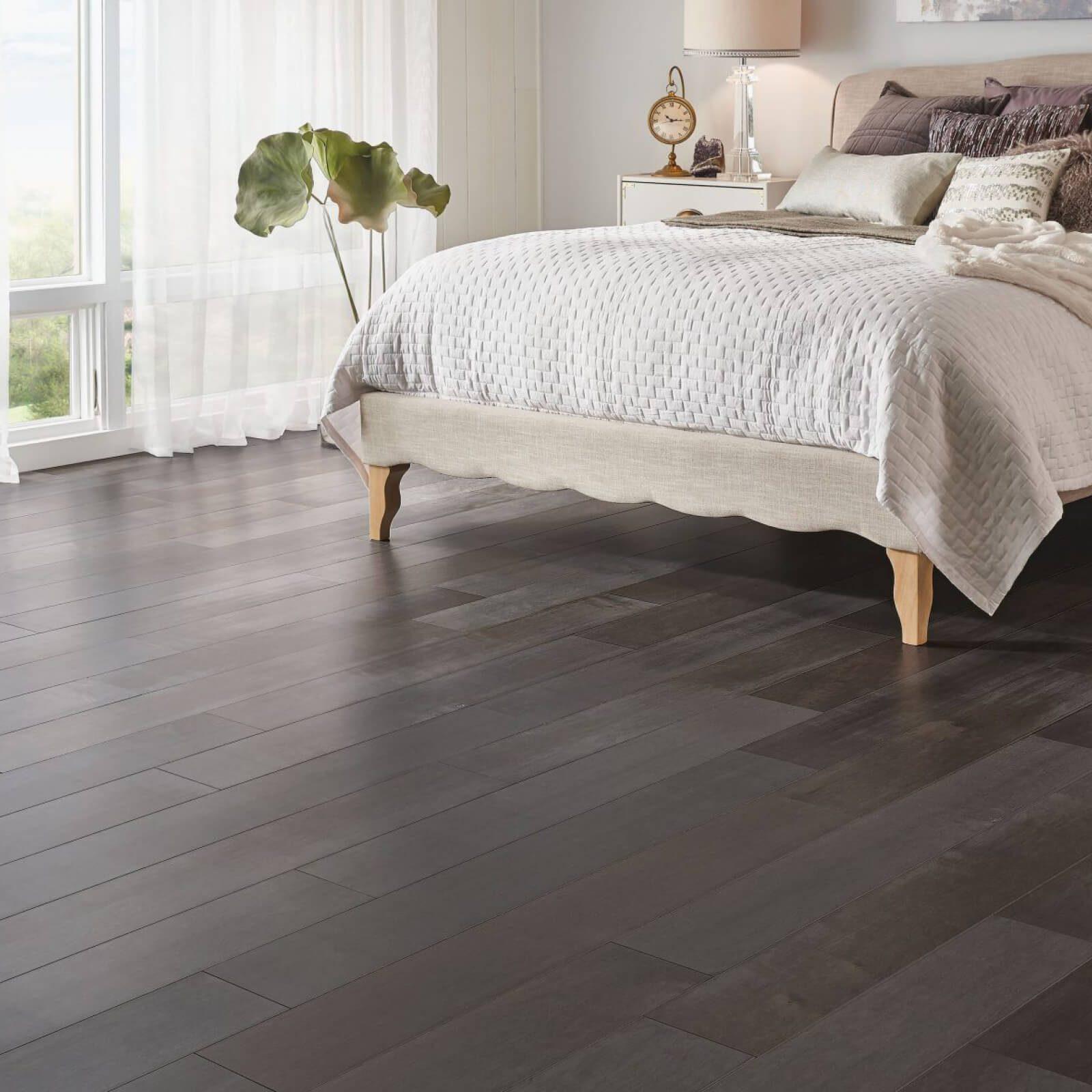 Bedroom hardwood flooring | Broadway Carpets, Inc